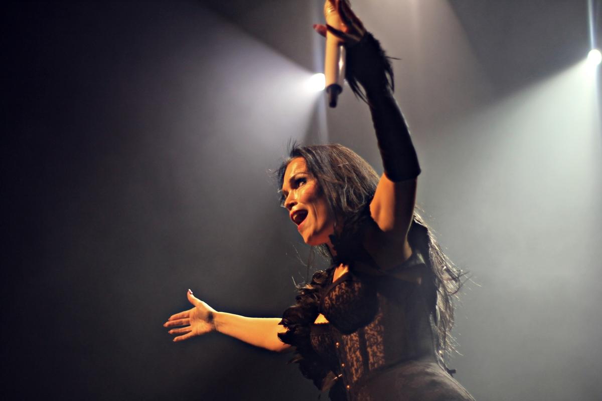 Tarja Turunen: Cantora anuncia shows no Brasil