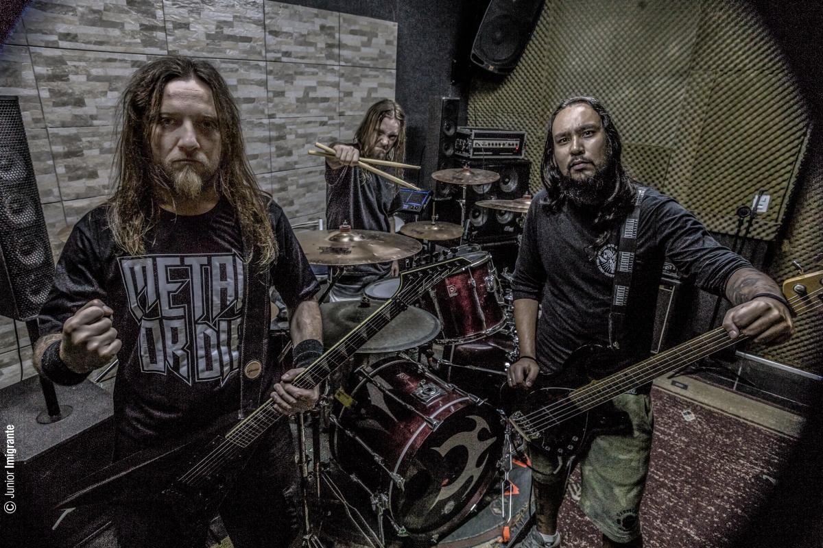 "Claustrofobia: Banda anuncia ""Brotherhood Loco Tour""."